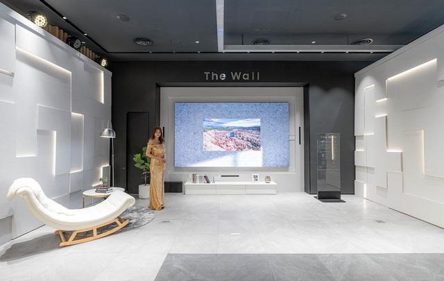 TV The Wall treo giá hơn 9 tỷ đồng tại Việt Nam - 1