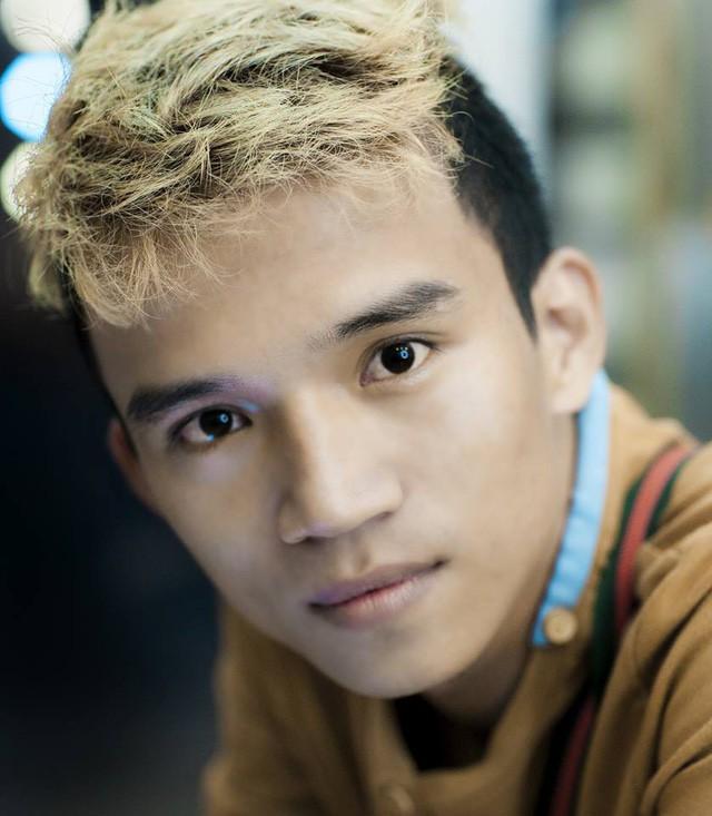 """Đạo diễn FAPtv kể chuyện từ 0,5 điểm toán thi đại học đến nút kim cương Youtube đầu tiên của Việt Nam: """"Đừng lấy bất cứ ai ra làm cột mốc hay thước đo cho đời bạn!"""" - Ảnh 3."""