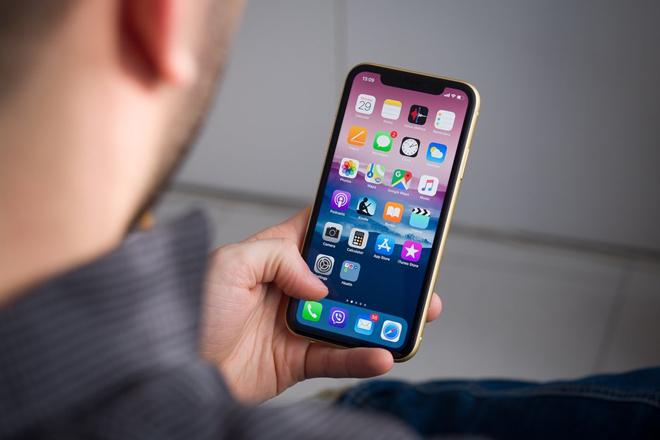 """chiec smartphone ban """"chay"""" nhat thang 1 se khien ban bat ngo hinh anh 1"""