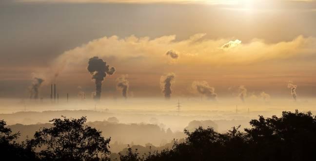 Khói do cháy rừng ở châu Phi - Ảnh: Phys
