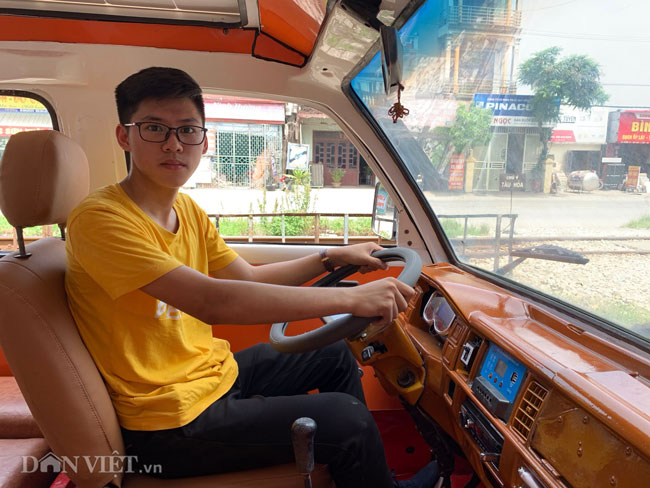 anh: nam sinh lop 12 che tao thanh cong xe dien nang luong mat troi hinh anh 7