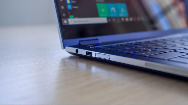 Samsung ra mắt laptop dùng màn hình QLED, sạc smartphone bằng touchpad ảnh 3