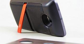 Insta-share Projector và JBL Soundboost: Phụ kiện đáng giá cho Moto Z