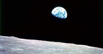 Nghiên cứu mới thách thức mọi kết luận trước đây về khả năng tồn tại nước trên Mặt Trăng
