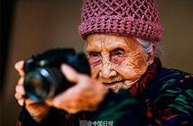 Sành điệu như cụ bà 105 tuổi vẫn theo đuổi niềm đam mê nhiếp ảnh
