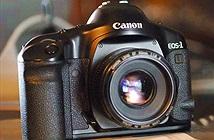 Theo chân Leica, Canon chính thức ngừng sản xuất máy ảnh phim