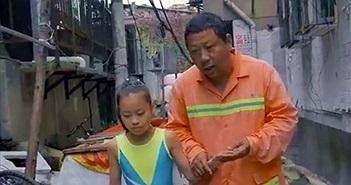 Trung Quốc: Cha ăn mì suốt 7 năm để nuôi dưỡng ước mơ của con