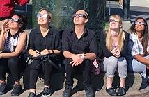 Amazon bị kiện vì bán kính xem nhật thực có thể gây mù vĩnh viễn