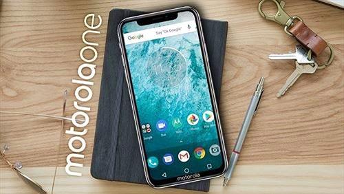 Motorola ra mắt 2 smartphone One và One Power: viền mỏng, pin lớn, có tai thỏ