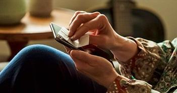 Miếng dán này có thể tiêu diệt coronavirus trên màn hình smartphone