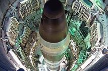 Nếu NATO bỏ rơi, Ukraine sẽ khôi phục vũ khí hạt nhân