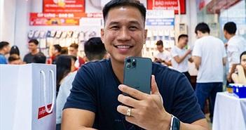 CellphoneS giao iPhone 11 Series chính hãng VN/A đầu tiên rạng sáng 1/11 đến tay người dùng, giá từ 21 triệu