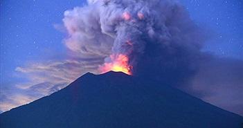 Cảnh báo núi lửa siêu phun trào có thể xóa sổ nhân loại?