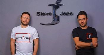 """Steve Jobs """"đau điếng"""" khi tên mình được gắn trên mác quần áo"""