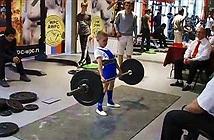 Choáng váng lực sĩ nhí 11 tuổi nâng tạ 100kg dễ như bỡn