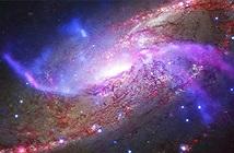 Phát hiện thiên hà xoắn ốc sáng rực như pháo hoa trong vũ trụ