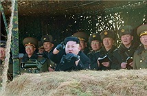 [ẢNH] Quân đội Triều Tiên khai hỏa, đánh chìm tàu sân bay