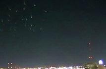 """Vệt sáng lươn nhảy múa"""" trên bầu trời Mỹ gây sốt"""