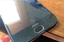 Smartphone màn hình không thể vỡ xước nham nhở vì móng tay