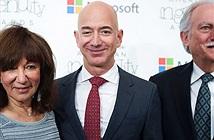 Khoản đầu tư 245.573 USD của bố mẹ ông Jeff Bezos vào Amazon năm 1995 giờ đây có giá trị gần 30 tỷ USD
