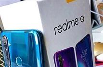 Trên tay hàng nóng Realme Q phát hiện chi tiết bất ngờ