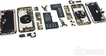"""""""Mổ xẻ"""" linh kiện iPhone XS Max, giật mình với giá trị thật"""