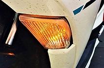 Vì sao đèn xi nhan lại có màu da cam?