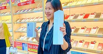 iPhone 11 chính hãng tại Việt Nam, giá máy xách tay tụt dốc