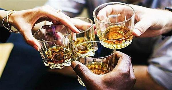 Uống rượu sau bao lâu mới được lái xe?