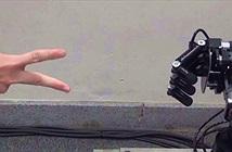 Robot bách chiến bách thắng khi chơi oẳn tù tì với con người