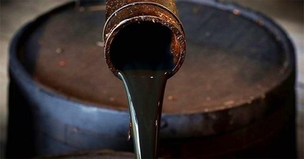 """Vì sao dầu mỏ được đánh giá là """"vàng đen""""?"""