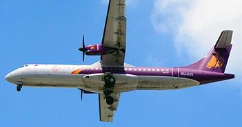 """Máy bay bị gió """"giật"""" khỏi đường băng Tân Sơn Nhất"""