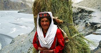 Bí mật của vùng đất có phụ nữ ngoài 60 vẫn sinh con
