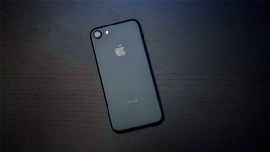 Giá trung bình iPhone lên cao kỷ lục