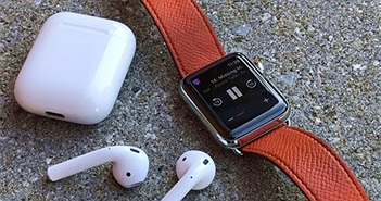 Tim Cook úp mở doanh thu Watch, tai nghe AirPods