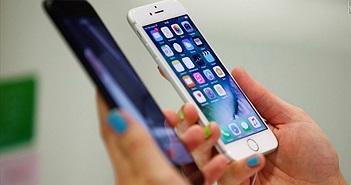 """Apple bị cáo buộc tiếp tục """"hút máu"""" người dùng từ vụ thay thế pin"""