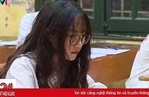 Đi thi lớp 10, cô gái bỗng bị ném đá vì xuất hiện trên truyền hình