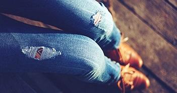 Bị chồng cấm mặc quần jeans, vợ và con gái làm điều kinh dị này