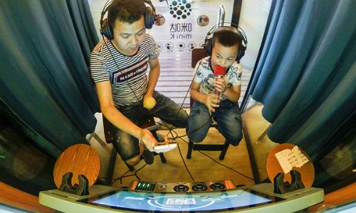 Trào lưu buồng hát karaoke mini 'càn quét' Trung Quốc