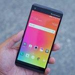 """LG V30 có màn hình P-OLED """"vô cực"""" với viền siêu mỏng"""