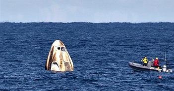 Tàu Crew Dragon của SpaceX chở phi hành gia hạ cánh thành công trên biển