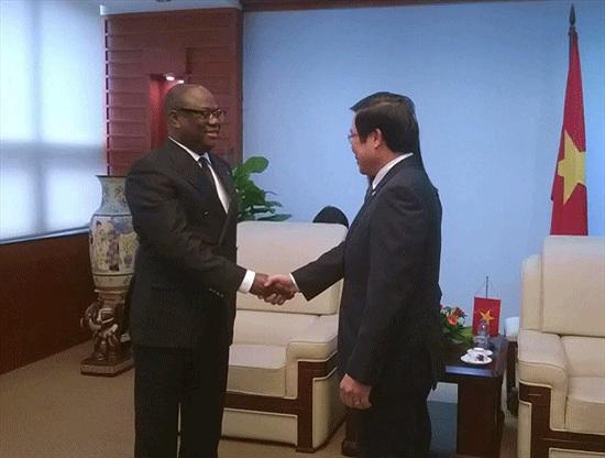Bộ trưởng Nguyễn Bắc Son tin Viettel sẽ thành công tại Congo