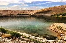 Hồ nước giữa sa mạc Tunisia có khả năng chứa chất độc