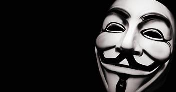 """Anonymous dọa cho """"lộ sáng"""" 1000 thành viên tổ chức cực đoan KKK"""