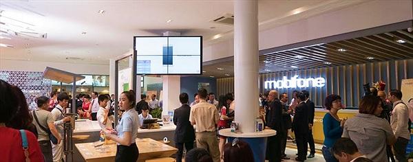 Thị trường bán lẻ quá chật, còn đất cho Mobifone?