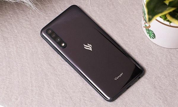 Giảm giá Vsmart Live, VinSmart thách thức  điện thoại Trung Quốc