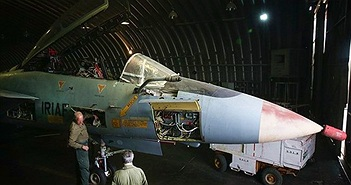 [ẢNH] Những chiếc F-14 cuối cùng của TG trong xưởng nâng cấp