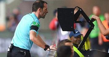 Các nhà làm luật FIFA chấp thuận dùng công nghệ trọng tài video (VAR) tại World Cup 2018