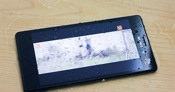 Mở hộp M4 Aqua chống nước vừa lên kệ Việt