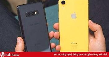 """Apple và Samsung không làm gì cũng được """"ăn quả ngọt"""" từ biến cố của Huawei"""